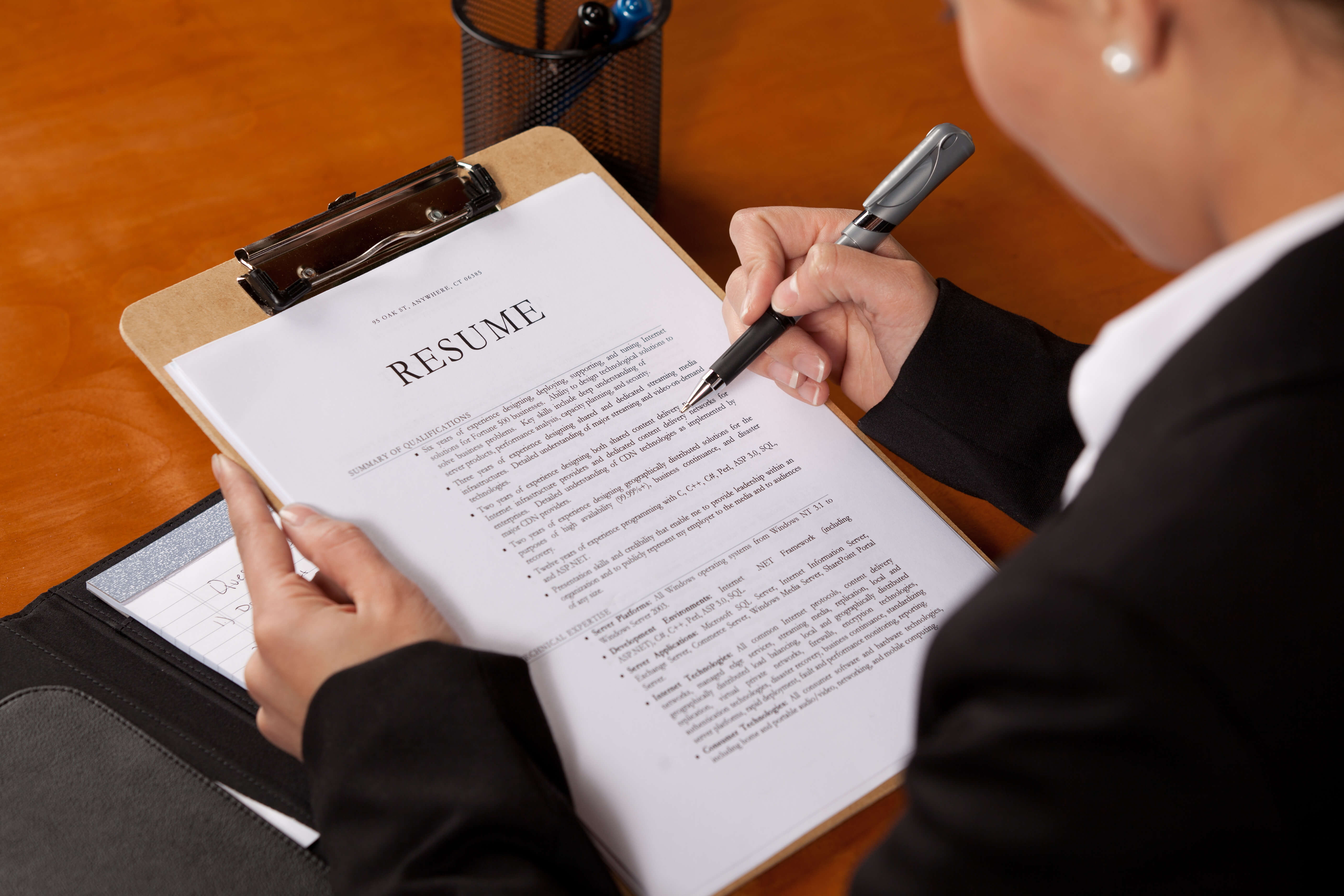 do resume what do employers look for in a resume